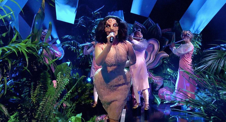 Björk wearing Iris van Herpen for her live concert at Jools Holland. Photo via Iris van Harpen.