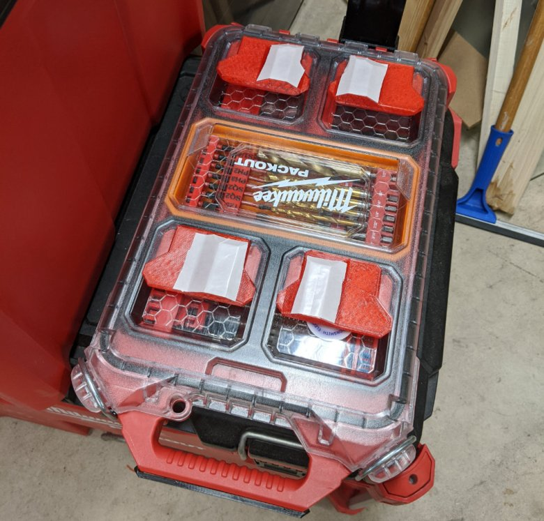 Milwaukee M18 Wet Dry Vacuum Packout Mounting Feet Step 1