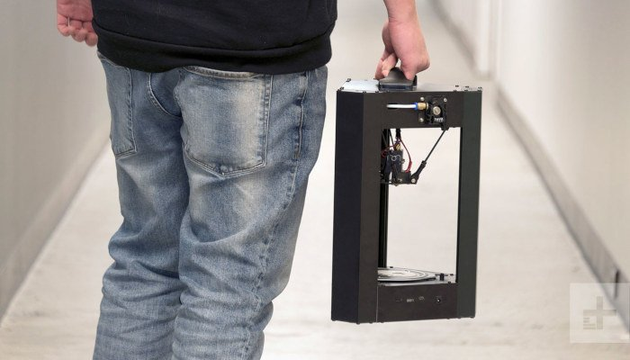 monoprice mini delta being carried