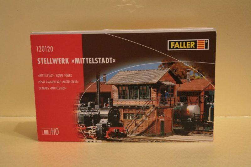 IMG_4756-1024x683 Wat zit er in de doos - Faller 120120 - Seinhuis Mittelstadt