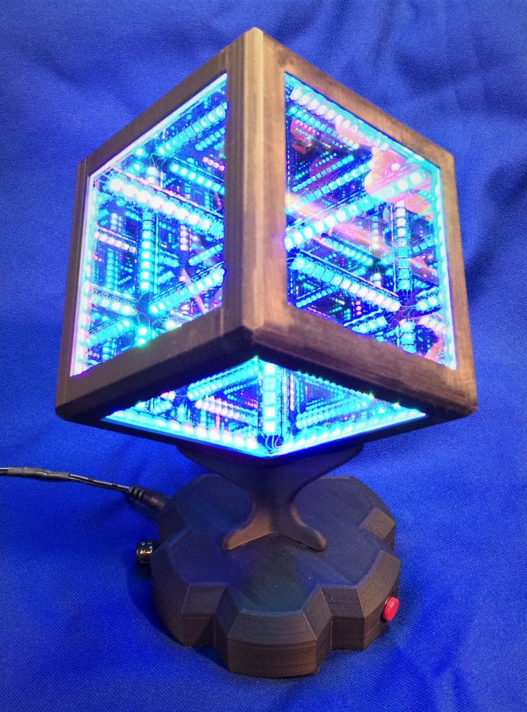 The Infinity cube - a 3D printed artwork created on an Ultimaker 3D printer by Vic Chaney