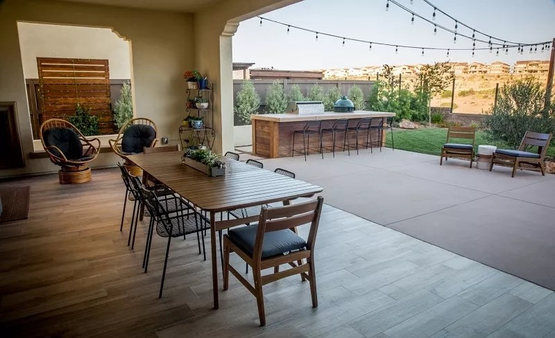Transitional Indoor/Outdoor Living Spaces   Custom Homes ... on Indoor Outdoor Living Spaces id=37079