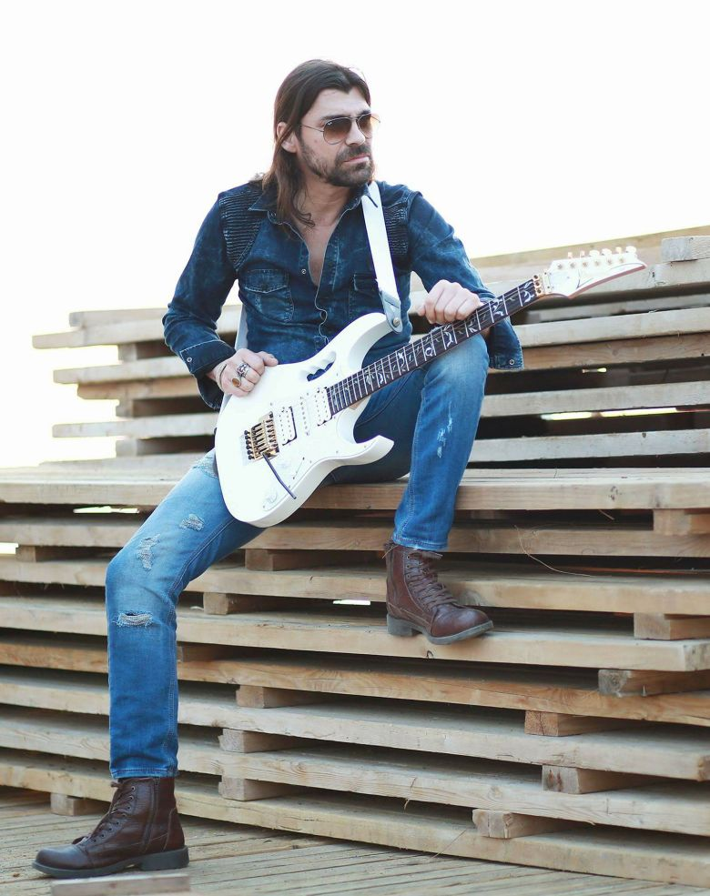 WE LOVE MAHMUTAR - FEATURING Jimmie Black Rock and Blues BAR