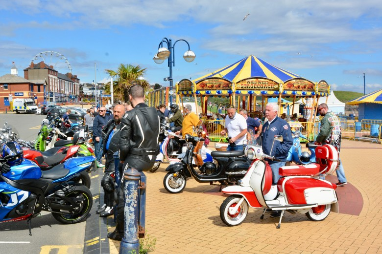 BIKE AND SCOOTER LOVERS MEET UP AGAIN AT BARRY ISLAND AFTER WEEKS OF LOCKDOWN - 3 EYED RAVEN PRODUCTIONS