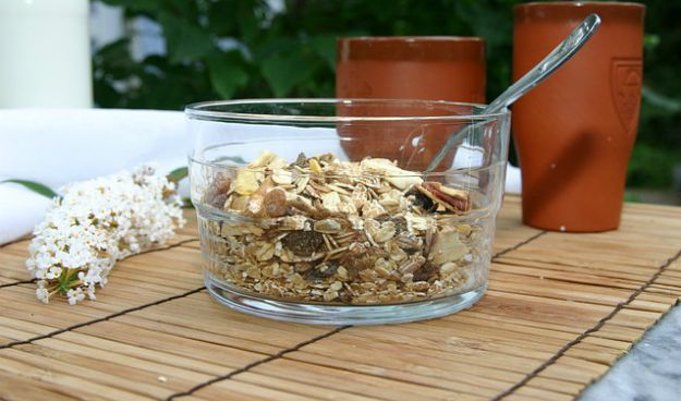 Oatmeal   25 Surprisingly Simple Home Remedies for Cold and Flu