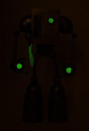 mikeslobot_mechanobot_glow1