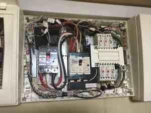 太陽光発電の分電盤からエコキュート設置用回路を分岐