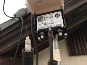 古いタイプのアンテナケーブル接続の仕方。