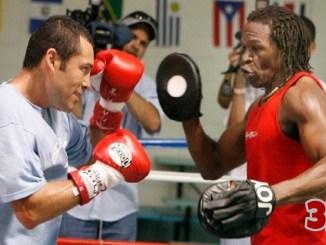 Floyd Mayweather Sr training Oscar De La Hoya