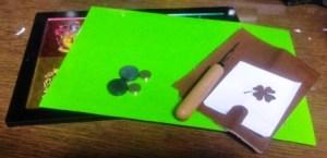 型紙を楽に革に転写するために使う道具