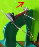 ウラから針をいれ、奥に縫う 作業風景0度
