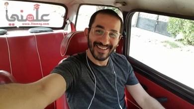 صورة أحمد حلمى ينشر صورة من داخل سيارتة المتواضعة وبيوجة رسالة جريئة