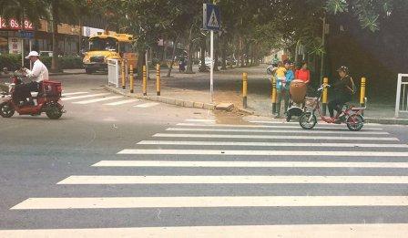 Китайські водії воліють добивати збитих ними пішоходів
