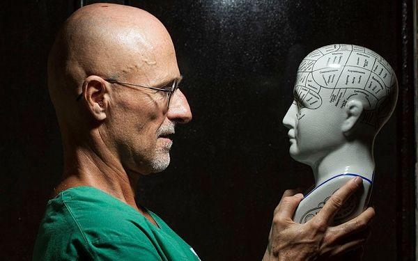 Італійський нейрохірург Серджіо Канаверо