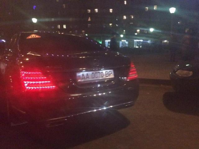 Mercedes нардепа Дерев'янка помічено в Москві