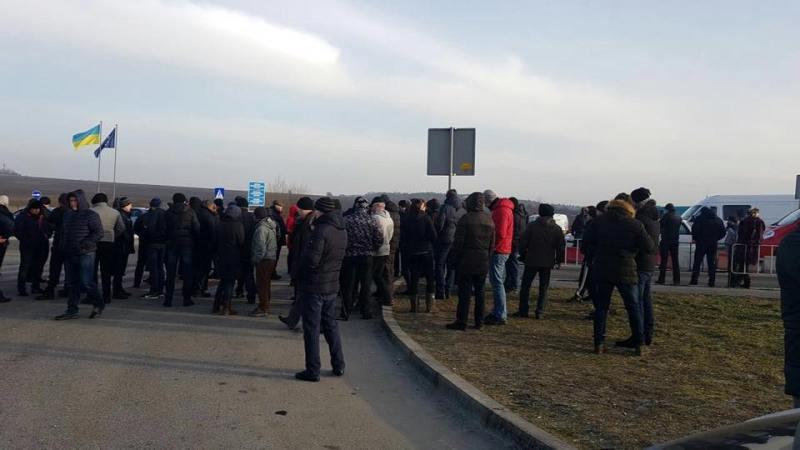 Контрабандисти заблокували два прикордонні пункти пропуску на Львівщині