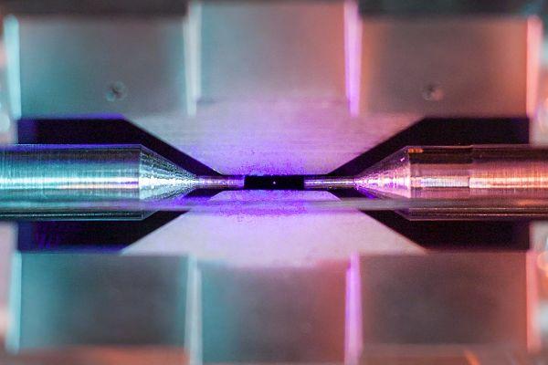 Девід Недлінгер зняв одиничний атом стронцію