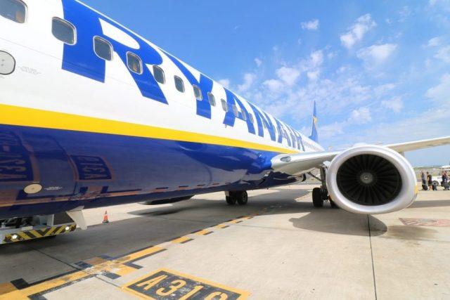 «Ryanair» буде літати зі Львова та Києва - Порошенко