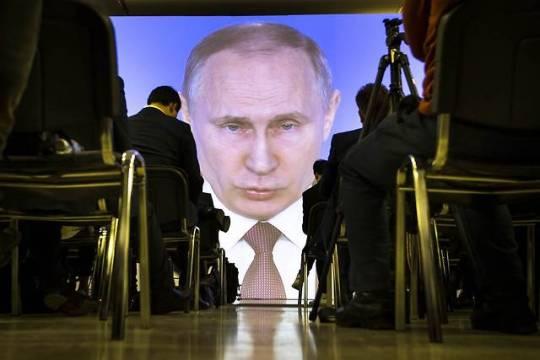"""Путін погрожує світові """"суперзброєю"""""""
