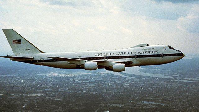 """США підняли в повітря """"літак Судного дня"""""""