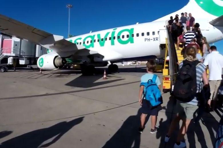 Екстрена посадка Вoeing 737