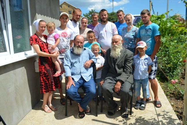 Очолює найбільший український рід 87-річний Павло Семенюк