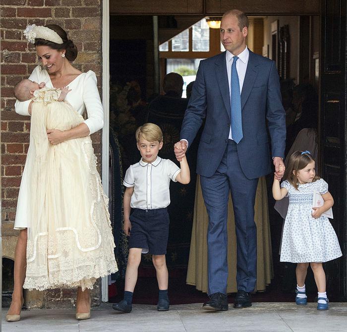 Принц Луї і Королівська сім'я