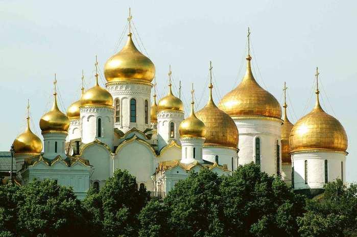 Число прихильників автокефальної церкви в Україні помітно зросло