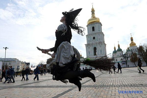 Хеллоуїн на вулицях Києва