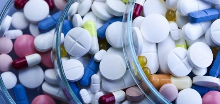 Названо ліки, несумісні з алкоголем