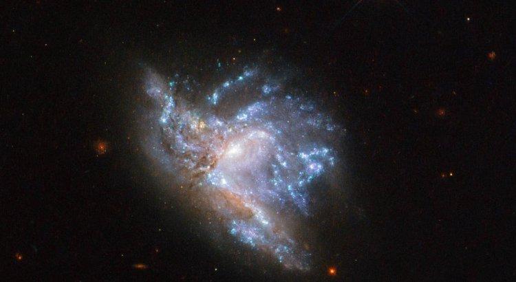 Зіткнення галактик