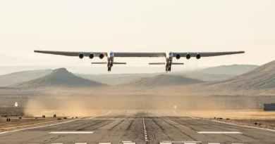 Літак Stratolaunch