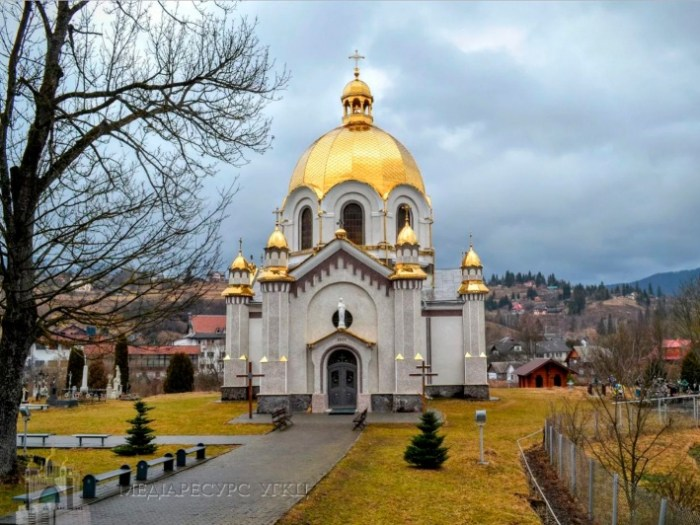 Церква у селищі Славське