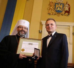 Садовий вручає відзнаку главі УГКЦ Святославу