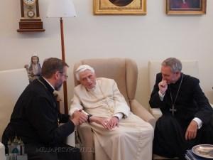 Папа-емерит Венедикт