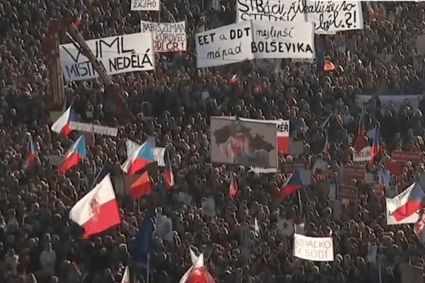 Сотні тисяч чехів вимагають відставки прем'єра-мільярдера