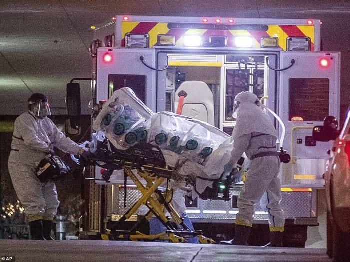 Коронавірус шириться у США: Інфіковано понад 400 осіб