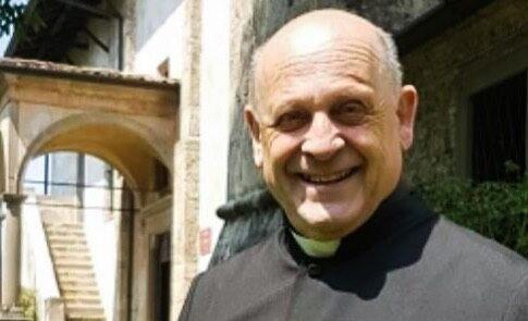 72-річний священик помер, відмовившись від вентиляції легенів задля молодших
