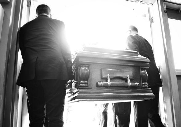 похорон, домовина