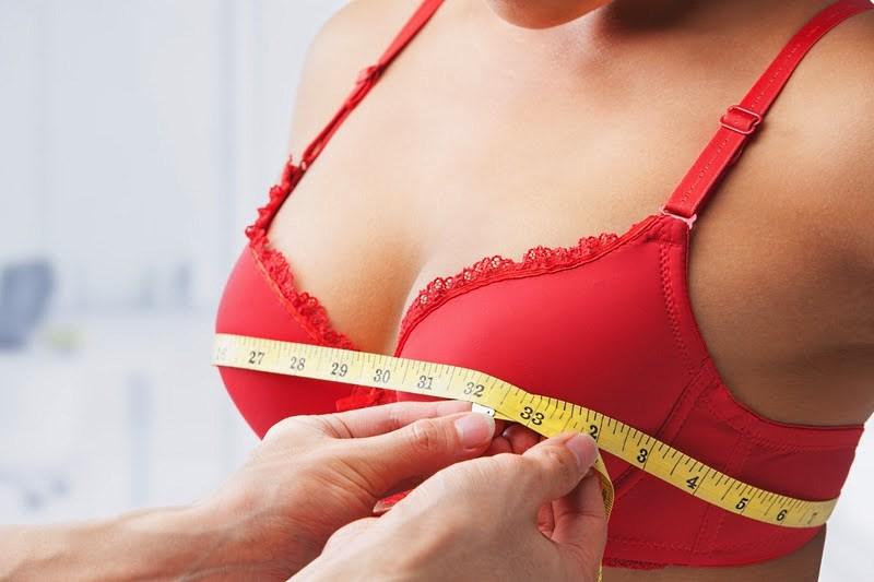 У дівчат після вакцини Pfizer збільшуються груди