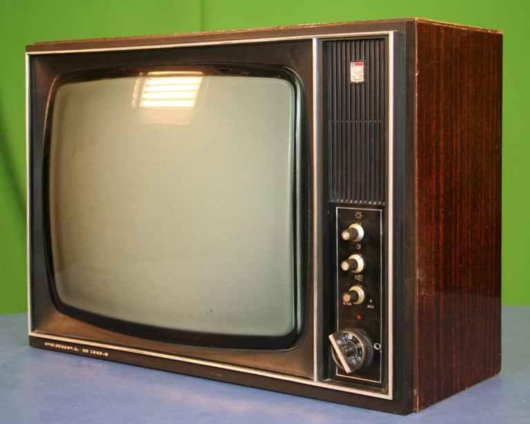 Коротка історія кольорового телебачення в Україні