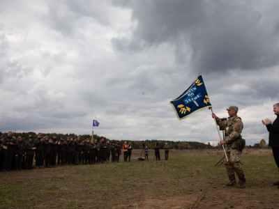 Тримати порох сухим: Порошенко відвідав військові навчання ветеранів