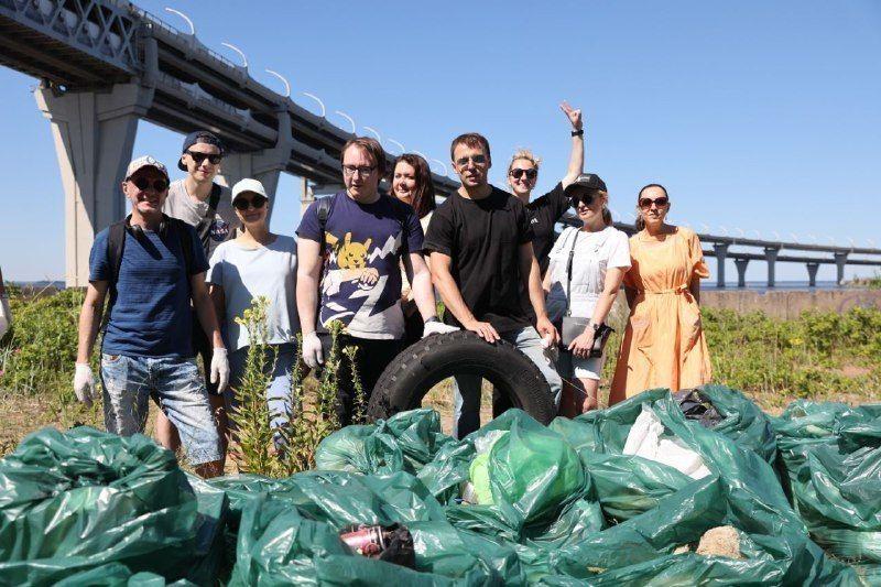 Третий парк организовал трансфер волонтеров на Канонерский остров
