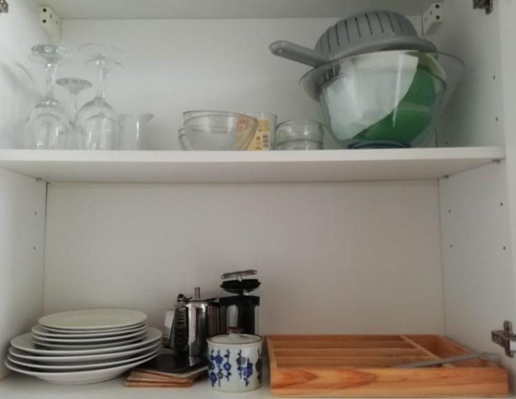 cuisine de chambre 3, felletin, équipé d'assiettes, verres, couverts, etc.