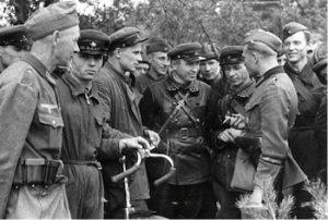 Soviet_and_German_Troops
