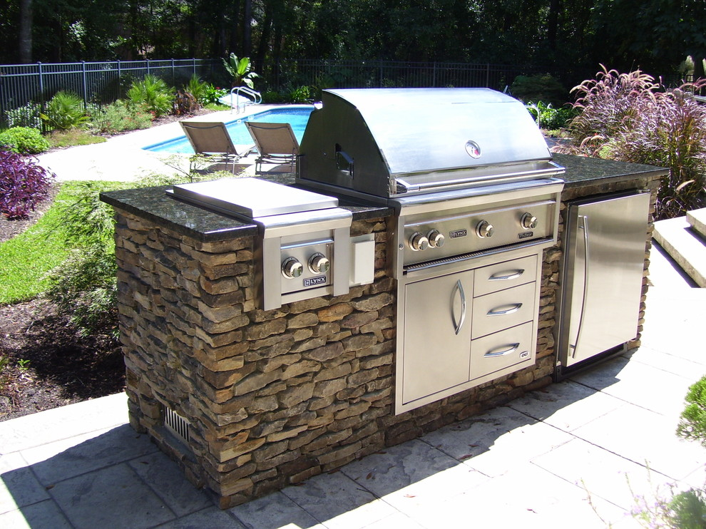 3Rs Construction Recommends Outdoor Living in Salem Or on Backyard Patio Grill Island id=19187