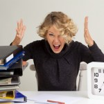 時短勤務の残業は強制可能?昼休みまで業務?保育園の延長料金のリアル