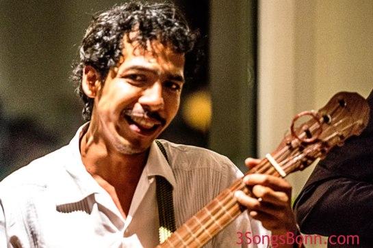 International languages: Music & a Smile