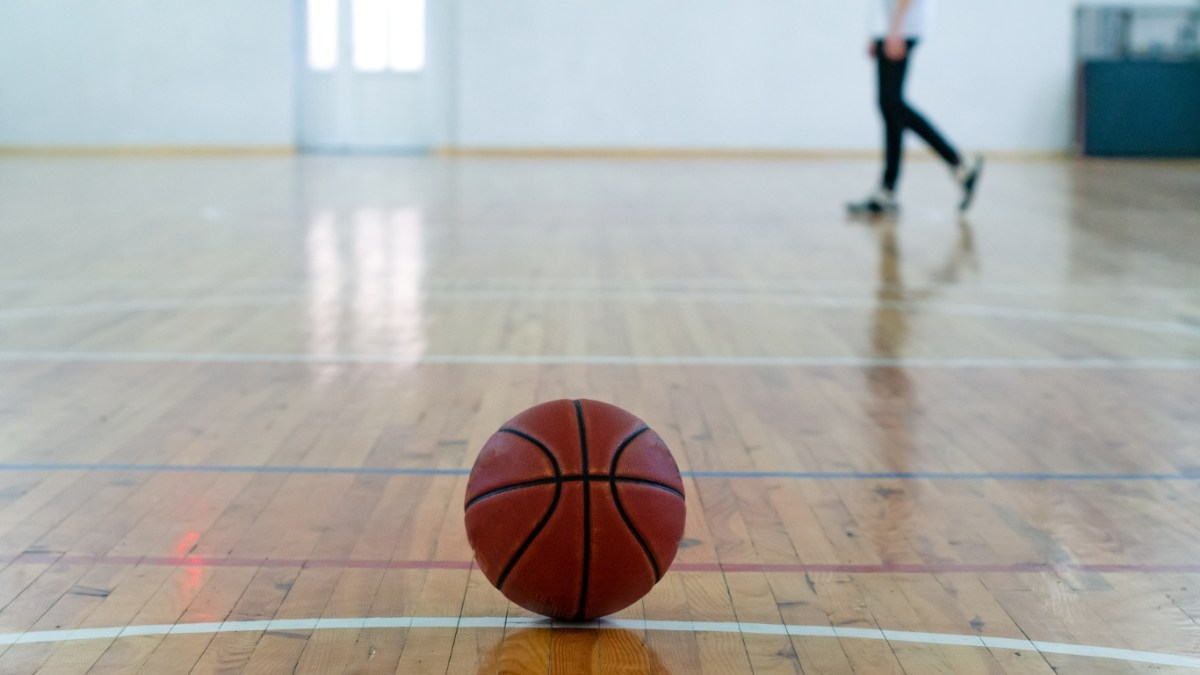 basketball-in-courtfeatured image