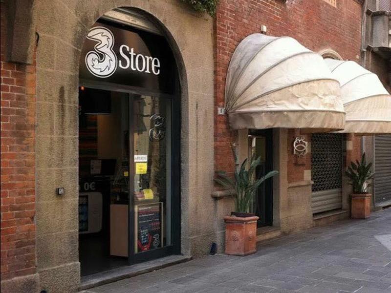 Foto negozio via cardinal tosi